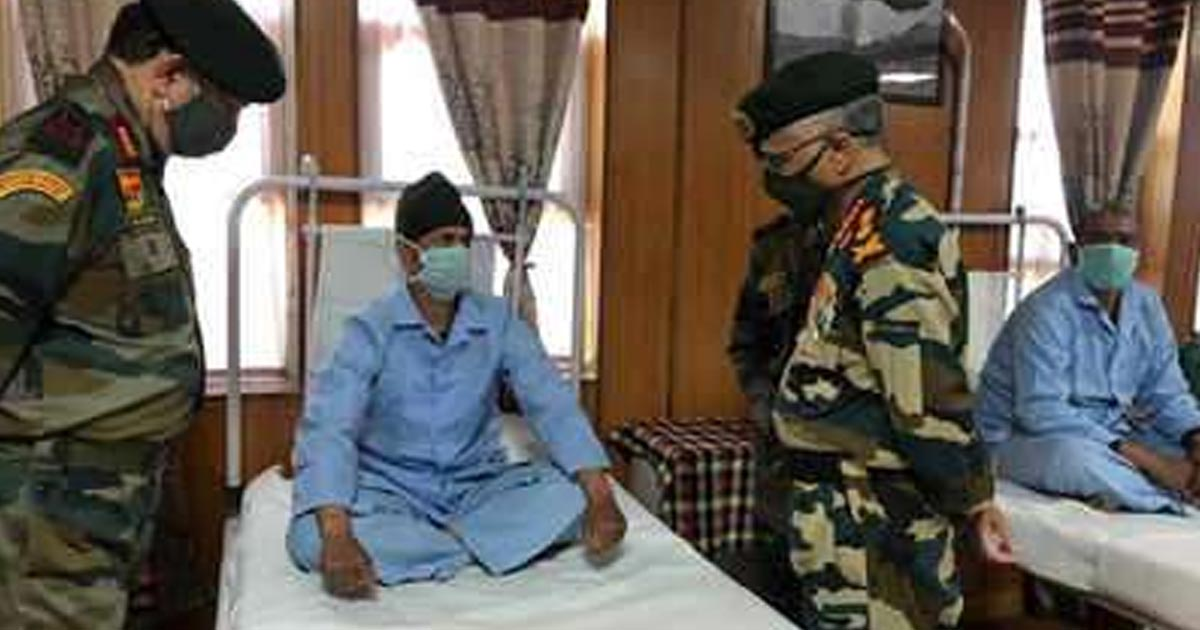 http://www.meranews.com/backend/main_imgs/army_army-chief-general-mm-naravane-meets-gallant-soldiers-at-military_0.jpg?26