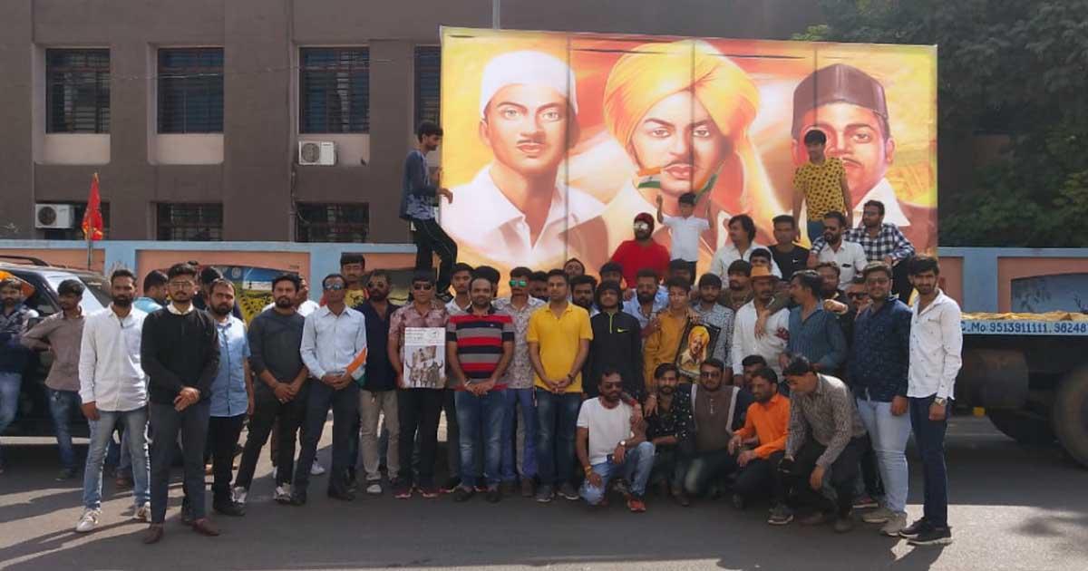 http://www.meranews.com/backend/main_imgs/bhagatsinhbharatratna1_gujaratis-are-demanding-bharatratna-to-bhagatsinh-punjab-as_0.jpg?72