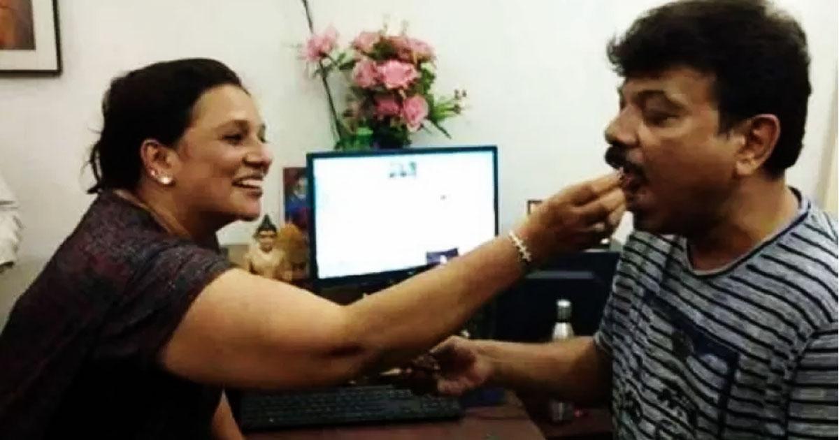 http://www.meranews.com/backend/main_imgs/bhargaviandvinayshahahmedabad_bhargavi-shah-wife-of-scamster-vinay-shah-arrested-and-sent_0.jpg?51