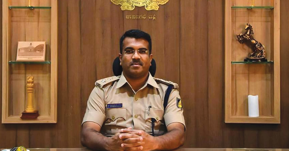 http://www.meranews.com/backend/main_imgs/bhimashankar-guled_why-did-the-bengaluru-ips-officer-make-his-intimate-video-pu_0.jpg?76