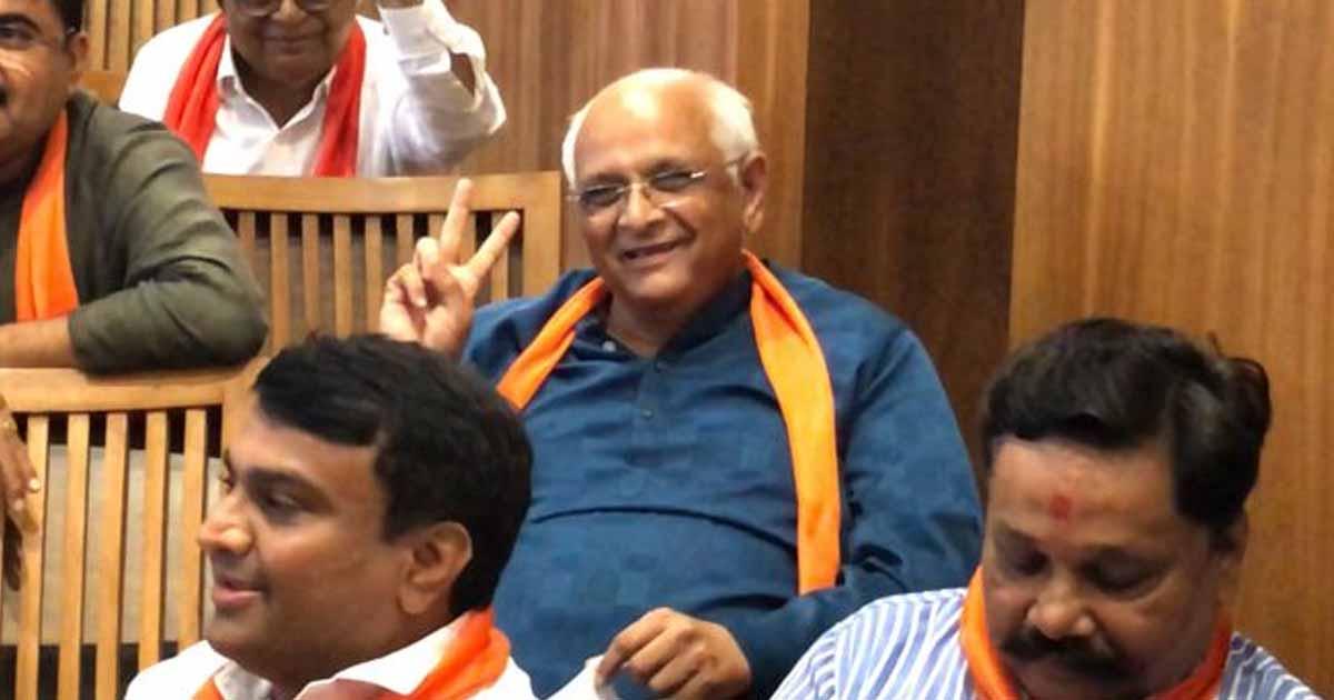 http://www.meranews.com/backend/main_imgs/bhupendraPatel1_bhupendra-patel-cm-gujarat-minister-of-gujarat-harsh-sang_0.jpg?76?74?72?23?79?19?86