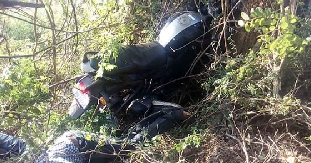 http://www.meranews.com/backend/main_imgs/bikeaccident_amreli-two-youth-died-in-bike-accident-on-diwali-festival_0.jpg?48