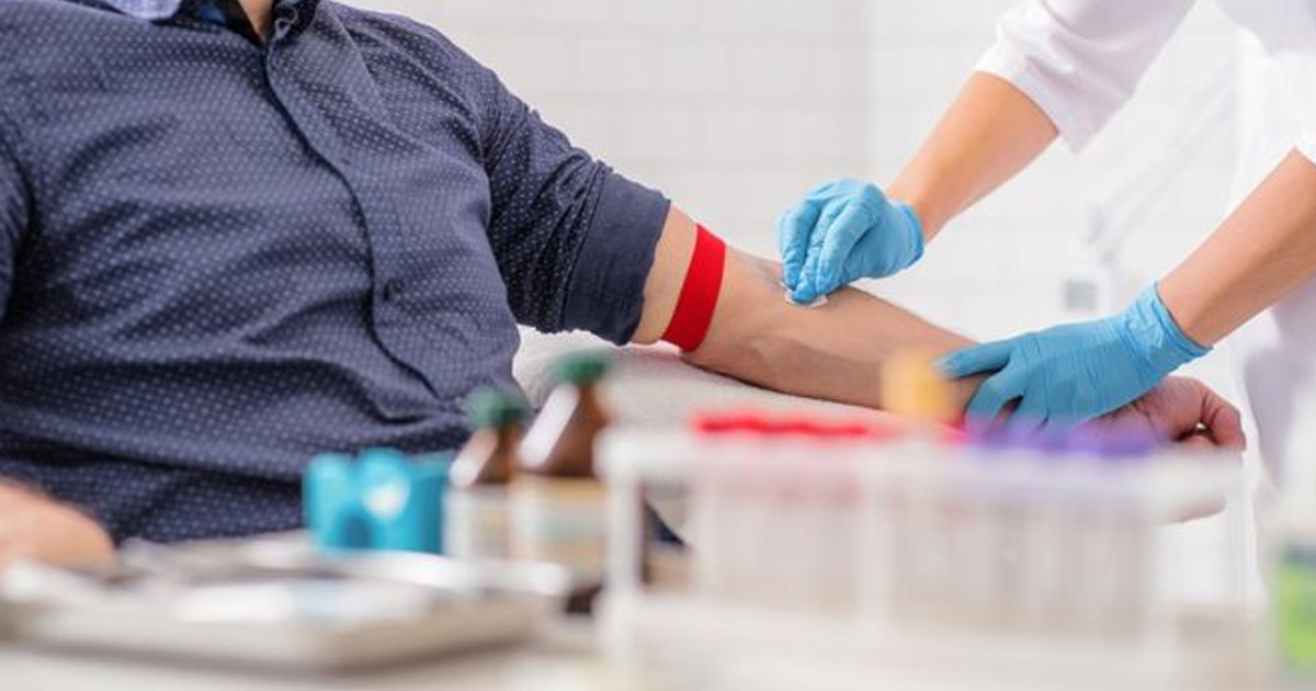 http://www.meranews.com/backend/main_imgs/blood-donation_new-guidelines-for-blood-donation-male-donors-might-be-aske_0.jpg?5