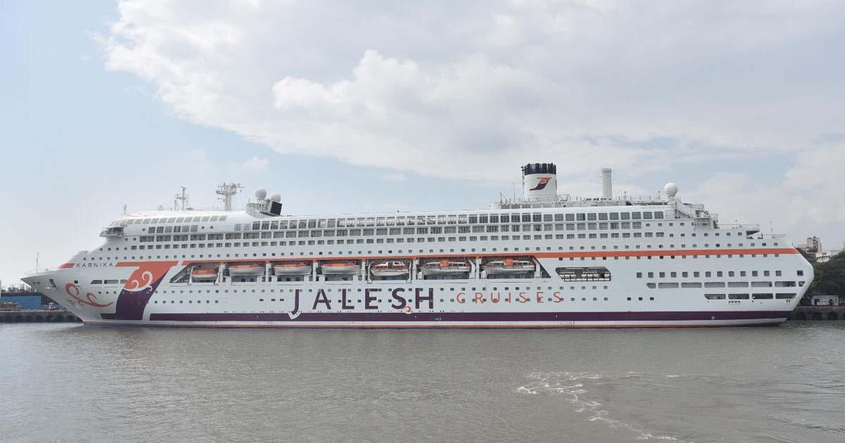 http://www.meranews.com/backend/main_imgs/boat_new-luxurious-cruise-mumbai-to-diu-trip-booking-cruise_0.jpg?19