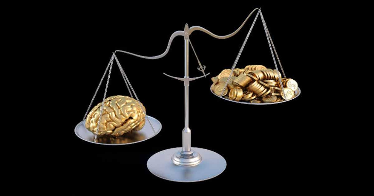 http://www.meranews.com/backend/main_imgs/buddhi_knowledge-vs-money-knowledge-and-money-saraswati-and-lakshmi_0.jpg?20?80