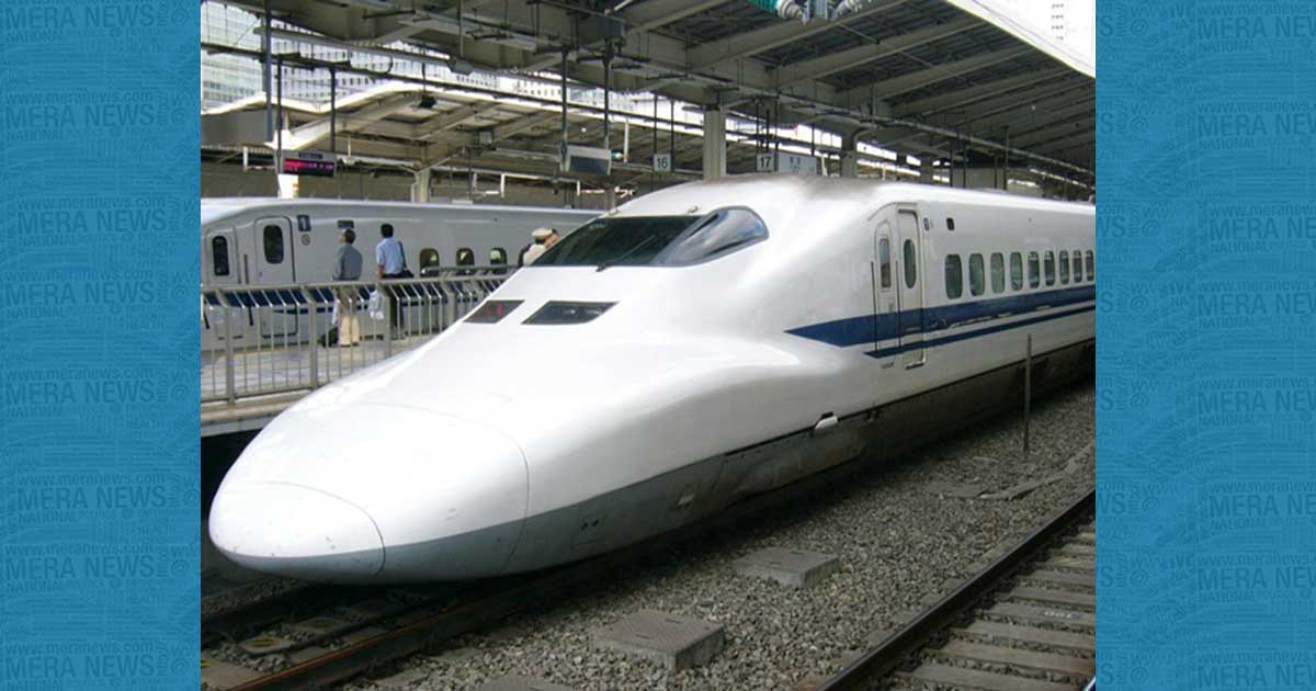 http://www.meranews.com/backend/main_imgs/bullettrainfinal-2_china-one-more-jump-in-high-speed-train-technique-600-kmhr_0.jpg?23?26?47