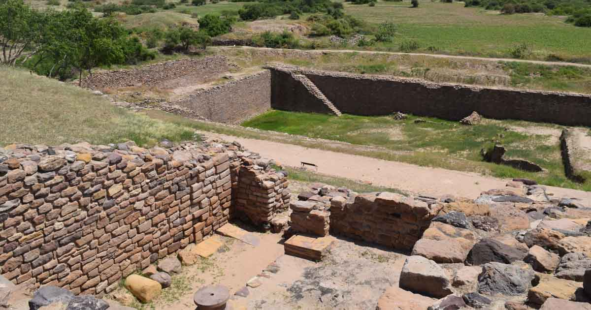 http://www.meranews.com/backend/main_imgs/came_pride-of-gujarat-kutch-world-heritage-site-unesco-gujara_0.jpg?47?82