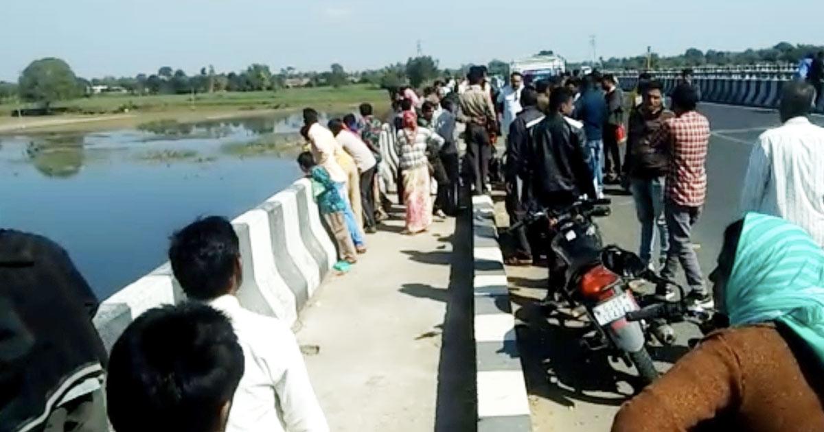 http://www.meranews.com/backend/main_imgs/crime_megharaj-crime-news-gujarat-police-malpur-vatrak-river_0.jpg?67