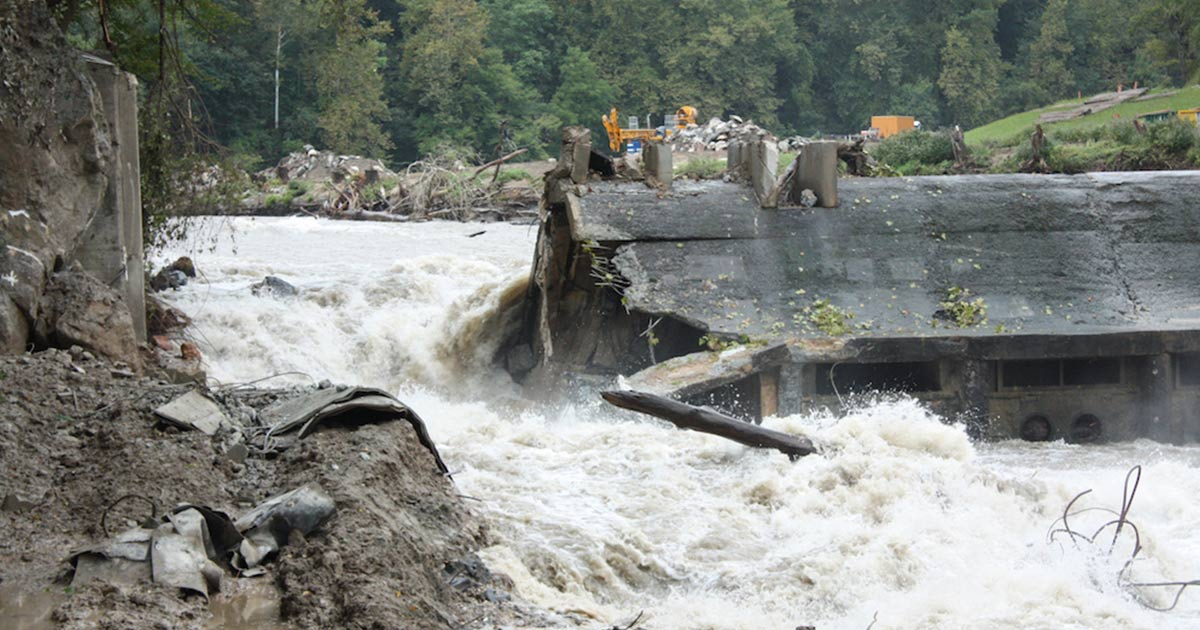 http://www.meranews.com/backend/main_imgs/dam0_dam-demolition-trend-revival-of-rivers_2.jpg?23