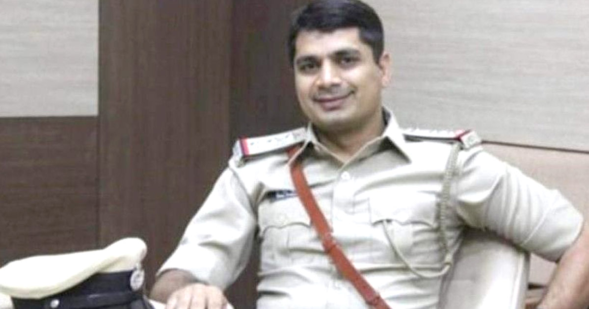 http://www.meranews.com/backend/main_imgs/darshan_ahmedabad-news-pi-darshansinh-barad-crime-story-gujarat_0.jpg?41?1