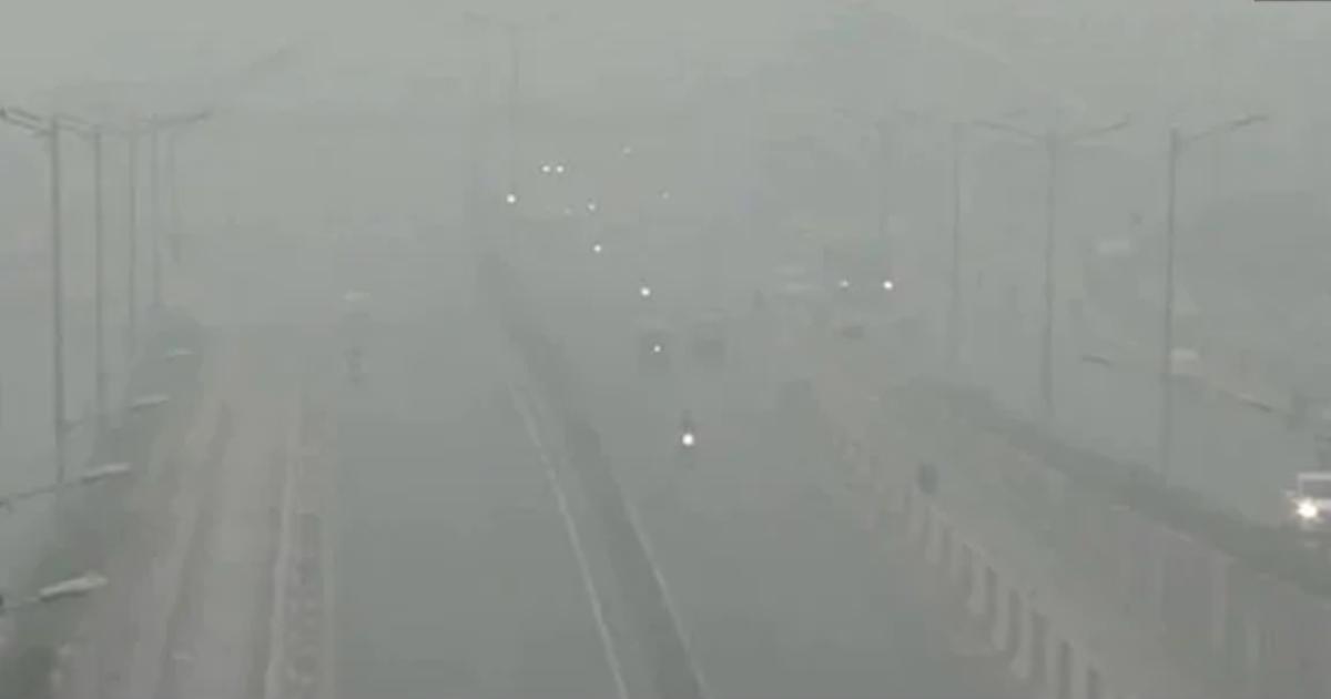 http://www.meranews.com/backend/main_imgs/delhiairqualityindex_delhi-air-quality-index-in-severe-category-with-pm-25-level-near-500-heavy-smog-city_0.jpg?86