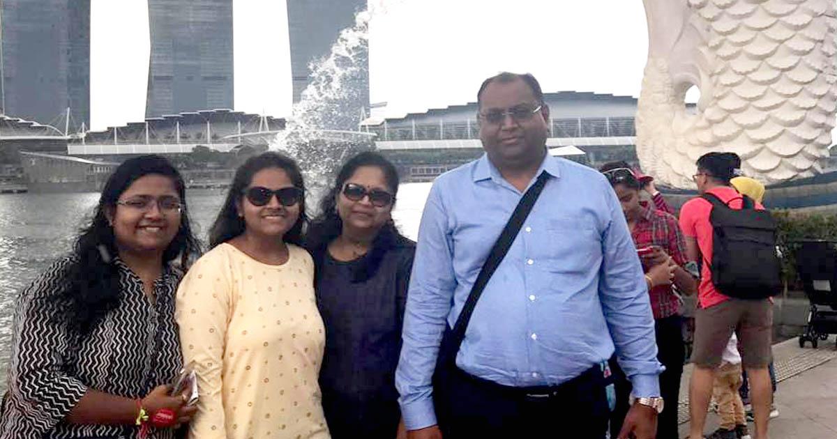 http://www.meranews.com/backend/main_imgs/dharmeshshah_ahmedabad-builder-dharmesh-shah-killed-his-wife-and-two-dau_0.jpg?45