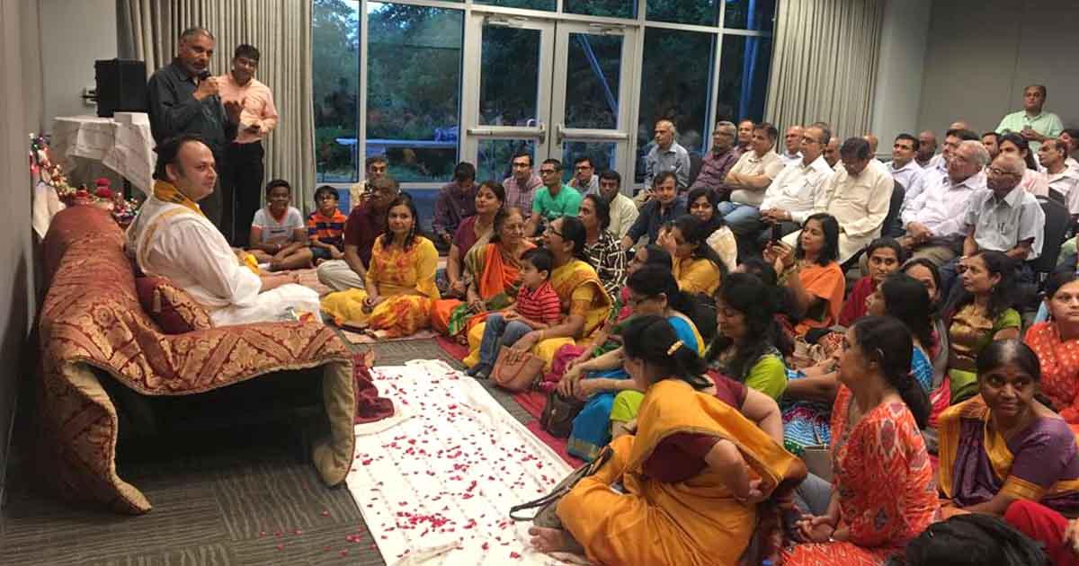http://www.meranews.com/backend/main_imgs/dwarkeshlalji_dwarkeshlalji-maharaj-at-austin_5.jpg?4