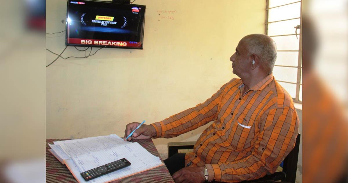 http://www.meranews.com/backend/main_imgs/electioninGujaratmoralincident_himmatnagar-moral-incident-for-everyone-who-work-for-electi_0.jpg?36