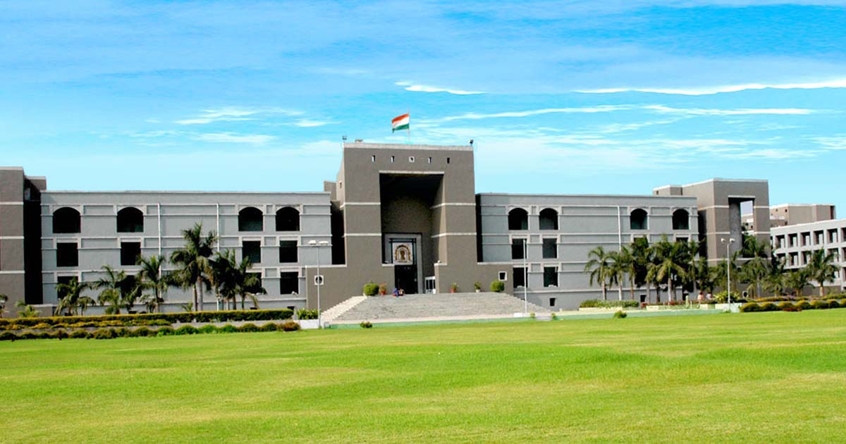 http://www.meranews.com/backend/main_imgs/gujarathighcourt_rajkot-high-court-ordered-to-dgp-commissioner-and-others-t_0.jpg?9