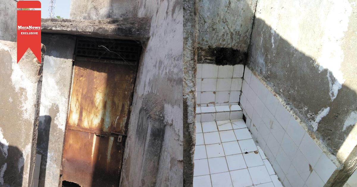 http://www.meranews.com/backend/main_imgs/gujarati-image_toilets-in-girls-school-in-adalaj-gandhinagar-in-a-bad-sta_0.jpg?11?47