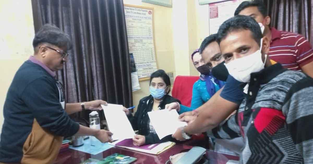http://www.meranews.com/backend/main_imgs/healthworkers_corona-vaccine-gujarat-protest-health-workers-demands-of-workers_1.jpg?60?15