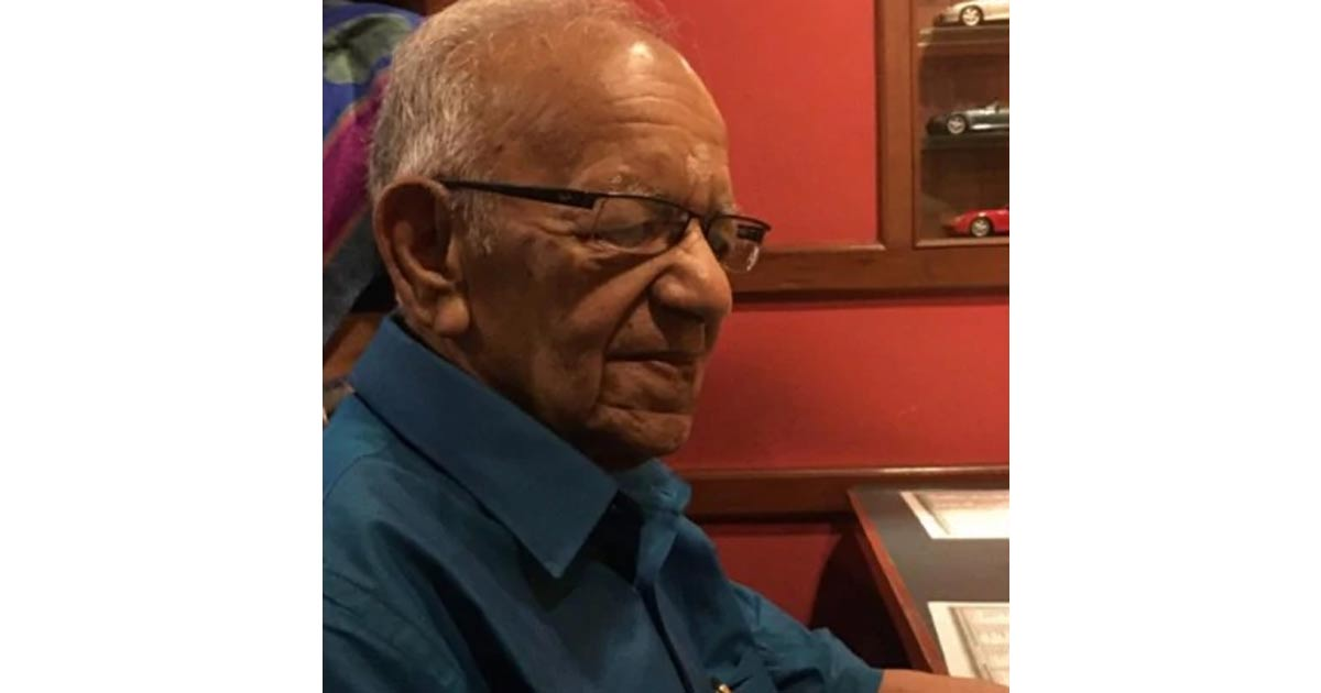 http://www.meranews.com/backend/main_imgs/ips_tamil-nadu-ips-officer-vr-lakshminarayanan-who-arrested-ind_0.jpg?4