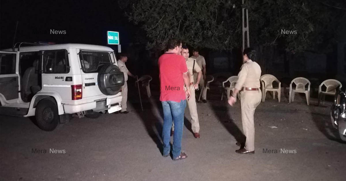 http://www.meranews.com/backend/main_imgs/jamnagarpolice_tankara-bootleggers-attacked-on-police-during-raid_1.jpg?19?92