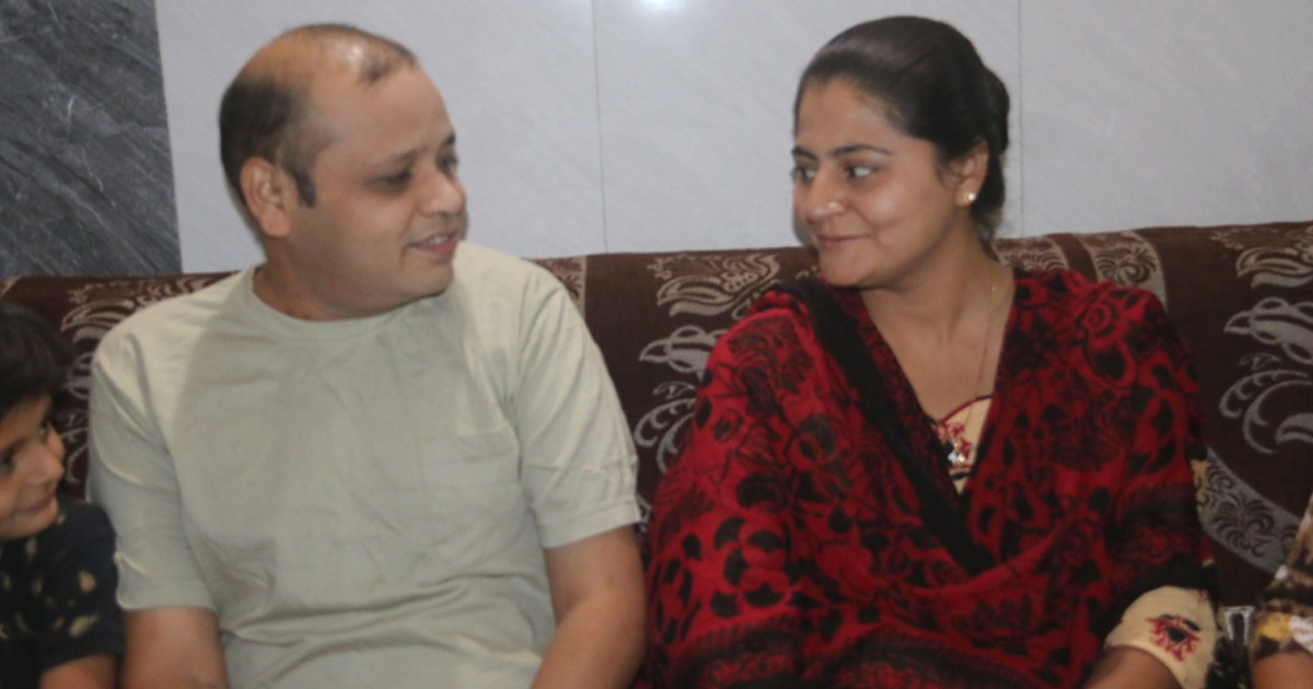 http://www.meranews.com/backend/main_imgs/kidney-donet_rajkot-wife-donates-kidney-to-husband-saves-his-life_0.jpg?83