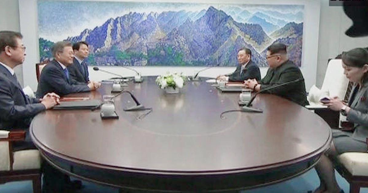 http://www.meranews.com/backend/main_imgs/kimjongun_korea-talks-begin-as-kim-jong-un-crosses-to-souths-side-of_0.jpg?32