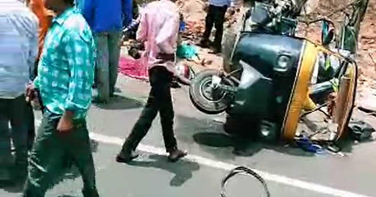 http://www.meranews.com/backend/main_imgs/kutchaccident_kutch-road-accident-at-bhuj-near-mankuva-11-died-7-injure_0.jpg?62