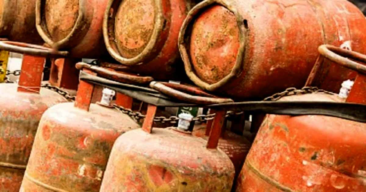 http://www.meranews.com/backend/main_imgs/lpg_price-hike-price-of-gas-cylinder-gas-cylinder-price-of-all-cities_0.jpg?29
