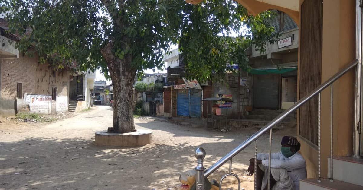 http://www.meranews.com/backend/main_imgs/m1_itadi-ambaji-temple-lockdown-in-itadi-village-temple-will_1.jpg?40