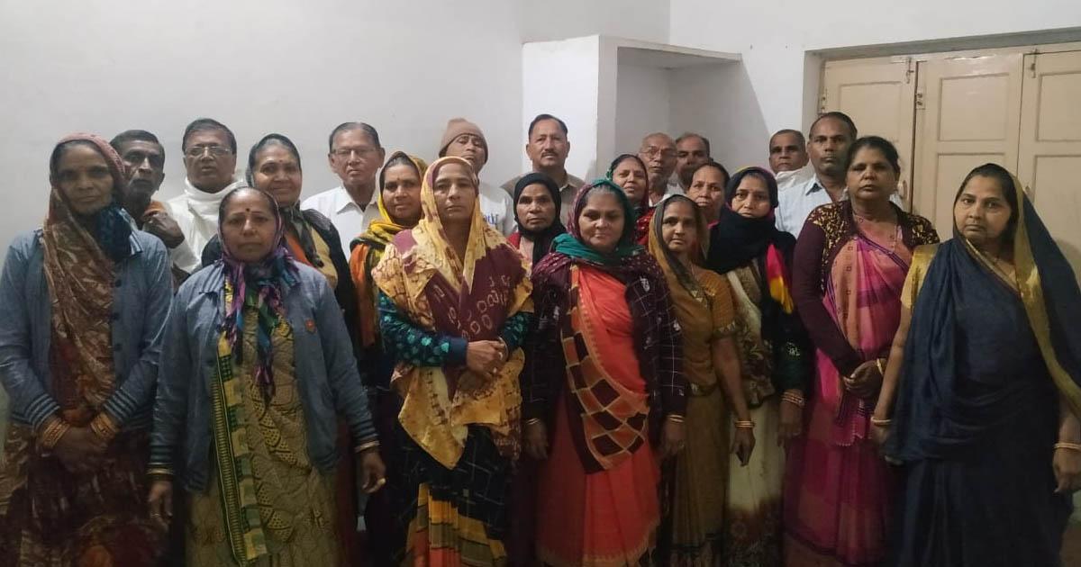 http://www.meranews.com/backend/main_imgs/miissing_modasa-cm-of-gujarat-up-congress-president-gujarat-coro_0.jpg?71?72?99