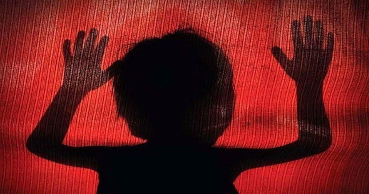 http://www.meranews.com/backend/main_imgs/minor-rape_three-year-old-girl-raped-in-surat_0.jpg?47