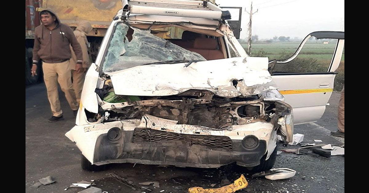 http://www.meranews.com/backend/main_imgs/mithapur_nri-couple-killed-in-car-accident-near-bagodra_0.jpg?3