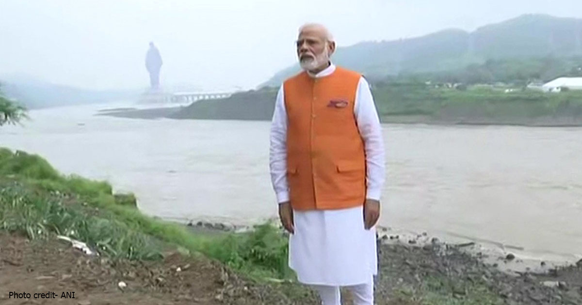 http://www.meranews.com/backend/main_imgs/modisardarpatel_pm-modi-observed-sites-including-jungle-saffari-project_0.jpg?8?72