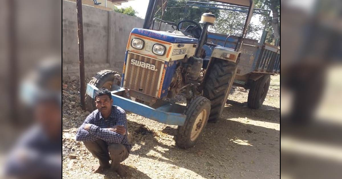 http://www.meranews.com/backend/main_imgs/mordi_arvalli-police-arrested-the-accused-along-with-a-tractor_0.jpg?50