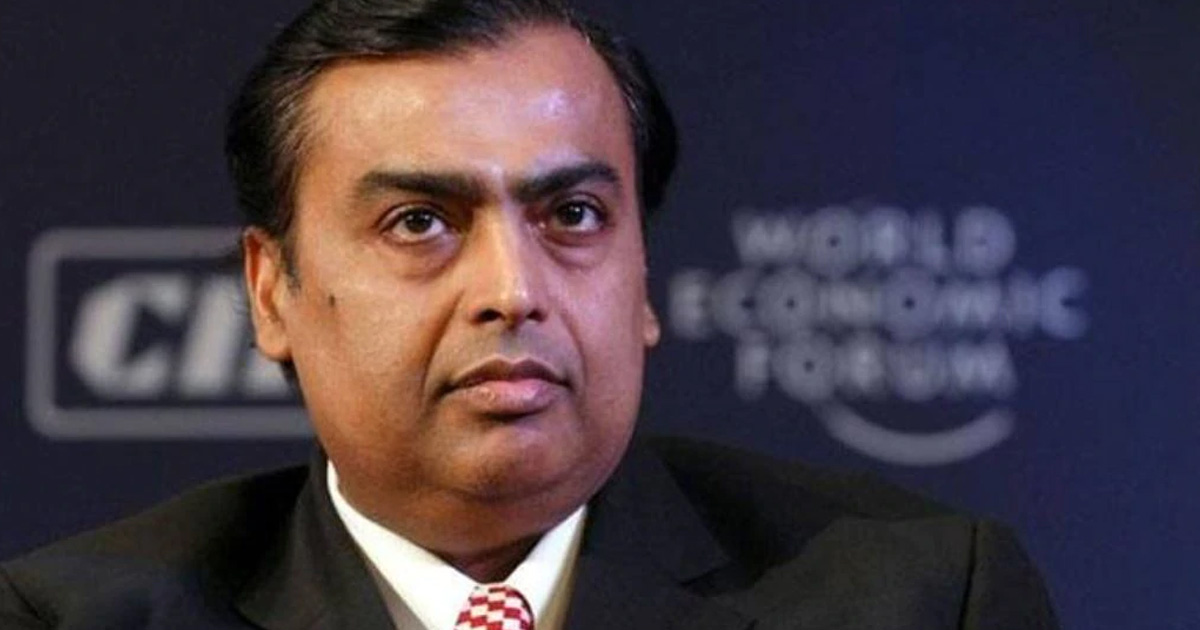 http://www.meranews.com/backend/main_imgs/mukesh_zhong-shanshan-overtakes-mukesh-ambani-to-become-asias-rich_0.jpg?61