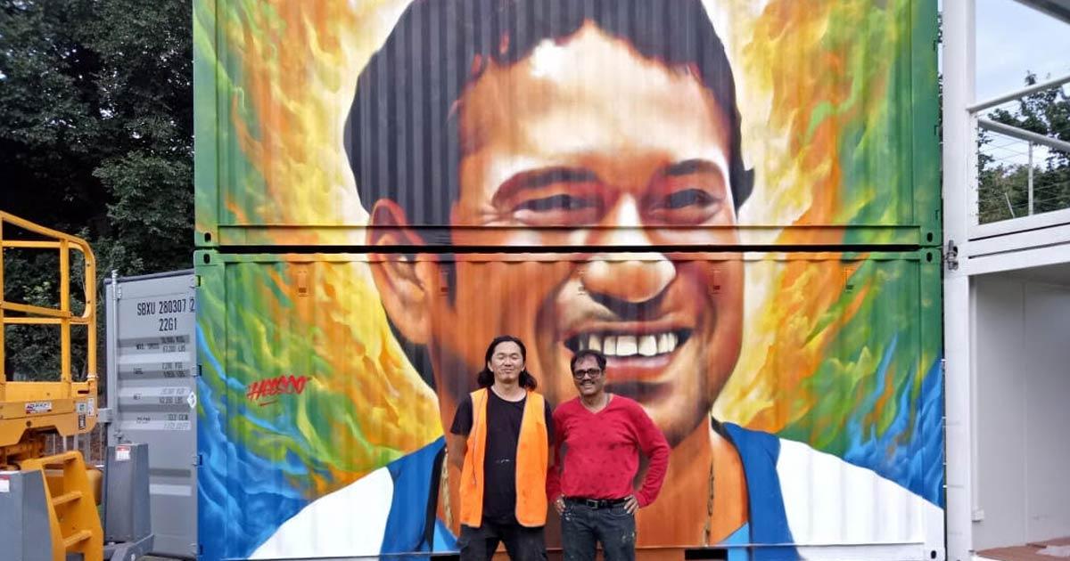 http://www.meranews.com/backend/main_imgs/munirbukharipainting1_gondal-artist-munir-bukharis-wall-painting-attraction-at-au_0.jpg?32?61