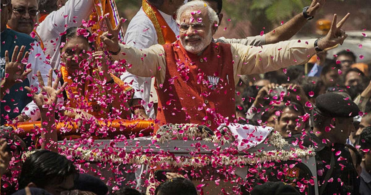http://www.meranews.com/backend/main_imgs/narendra-modi-election-rally_narendra-modi-can-contest-the-2019-elections-from-gujarat-k_0.jpg?95?3