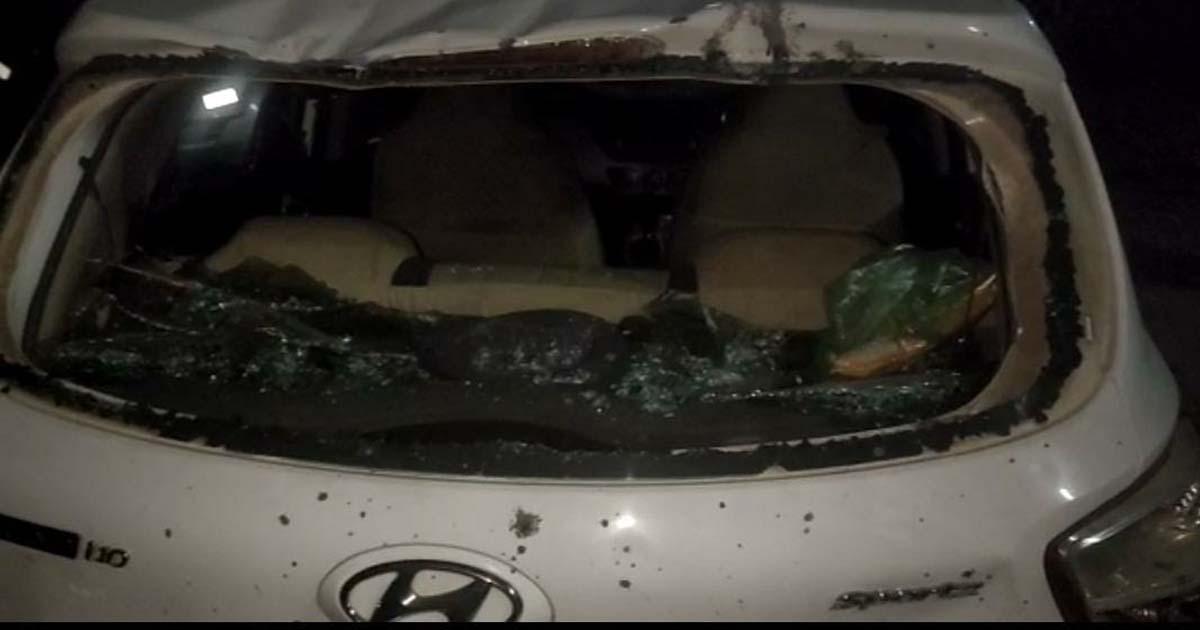 http://www.meranews.com/backend/main_imgs/nigt1_bhiloda-attack-on-police-stone-pelting-crowd-in-bhiloda_1.jpg?18?66