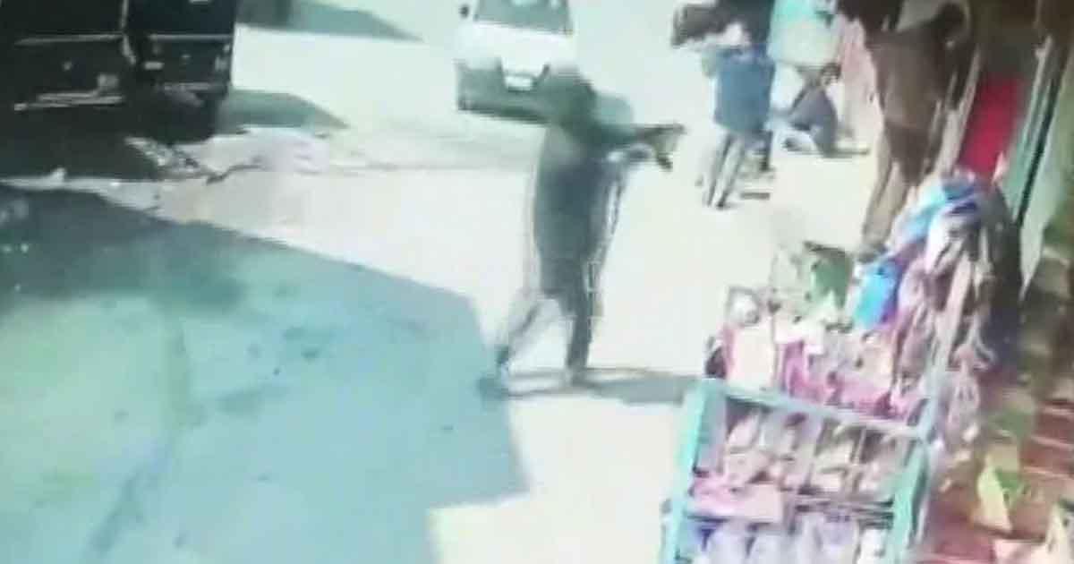 http://www.meranews.com/backend/main_imgs/owpolice_cops-sohel-and-yusuf-srinagar-cctv-cops-and-terrorists-t_0.jpg?80