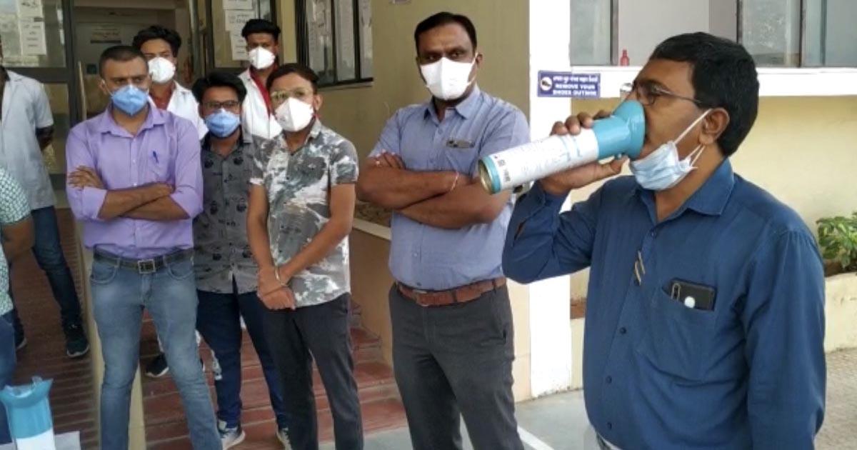 http://www.meranews.com/backend/main_imgs/oxygen_modasa-gidc-oxygen-covid-hospital-oxygen-need-health-news_0.jpg?59