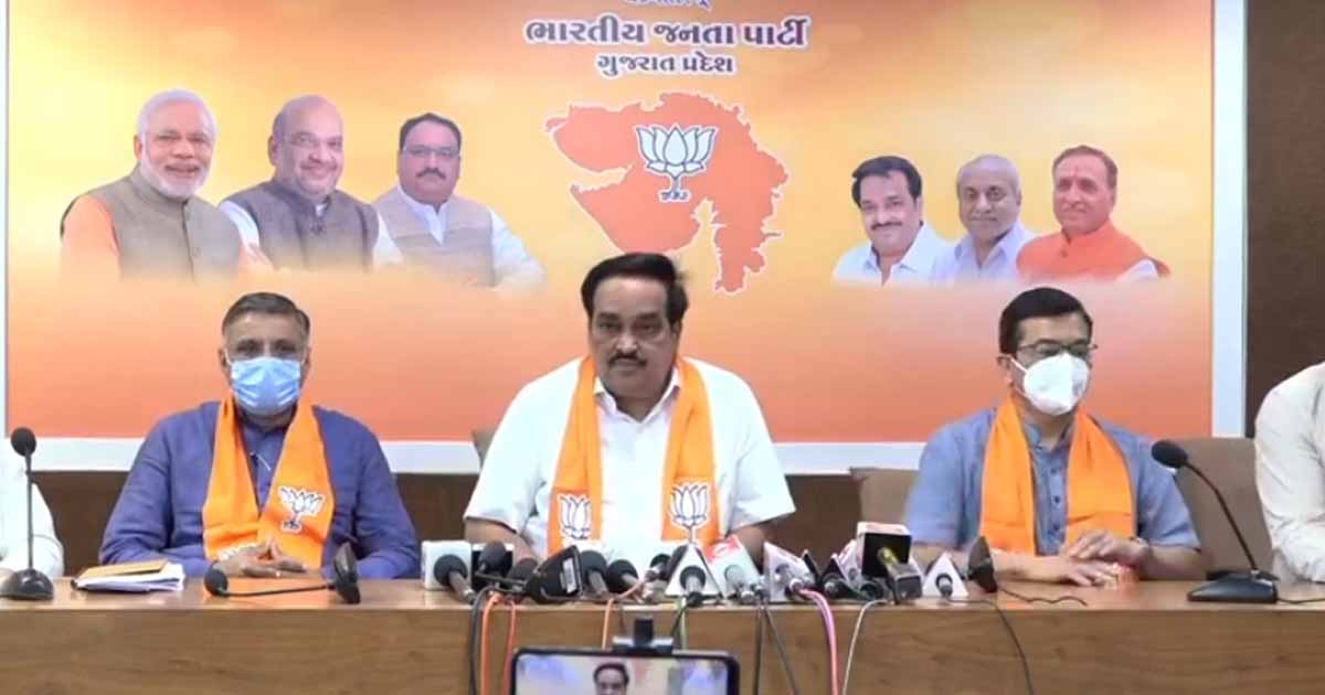 http://www.meranews.com/backend/main_imgs/patil111_gujarat-elections-bjp-gujarat-c-r-patil-announcements-candidates_0.jpg?81?34