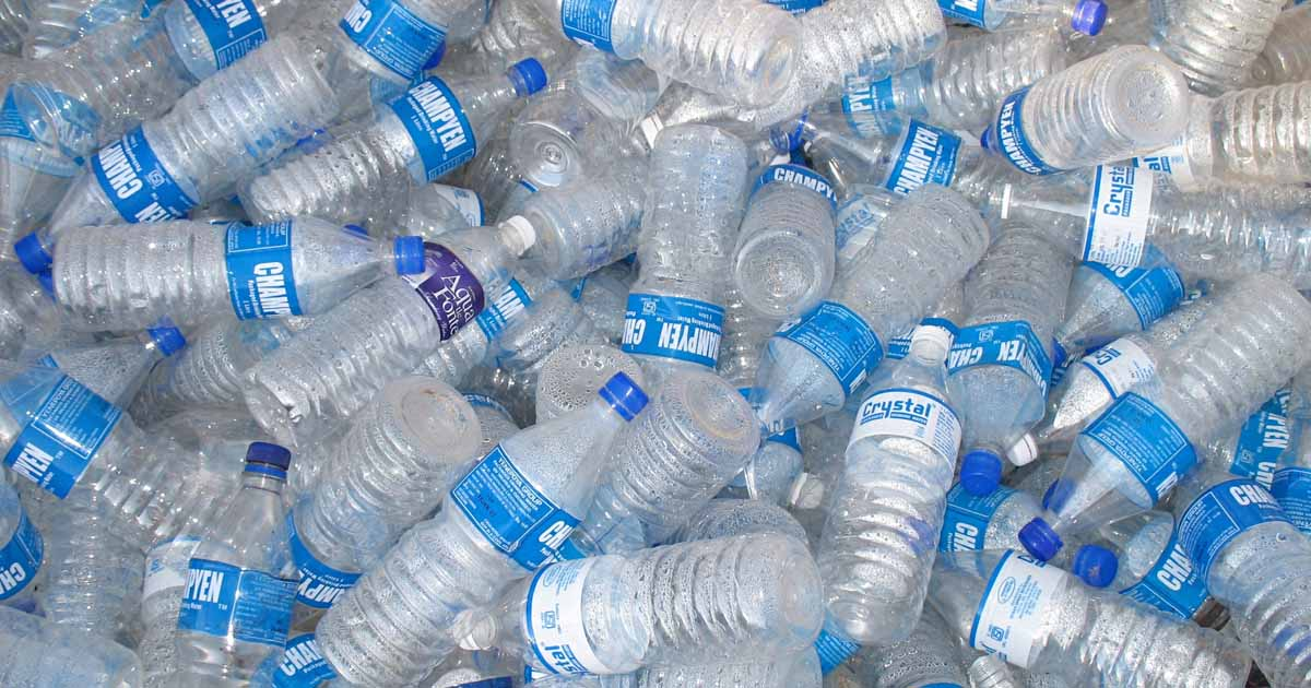 http://www.meranews.com/backend/main_imgs/plasticbottle_gujarat-governments-new-plan-collect-plastic-bottles-and-e_0.jpg?70