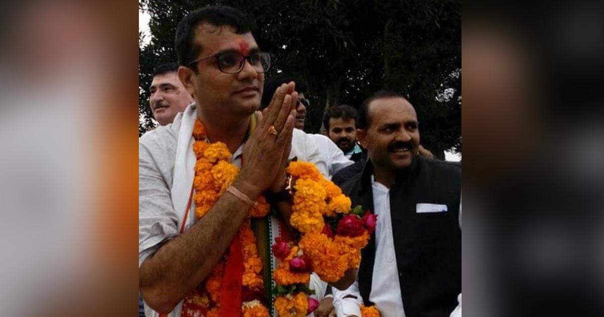 http://www.meranews.com/backend/main_imgs/pratapdudhat_mla-congress-bjp-mla-rajyasabha-election-mla-pratap-dudha_0.jpg?46