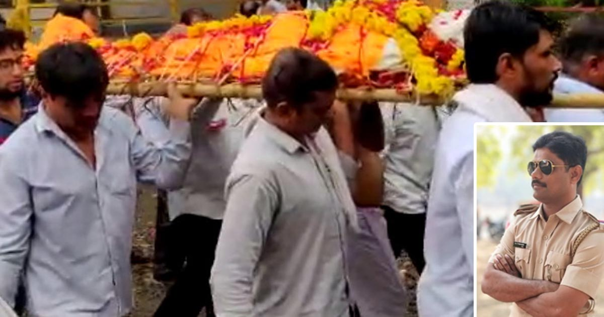 http://www.meranews.com/backend/main_imgs/psifinaviya_psi-finaviyas-funeral-at-surat-other-one-psi-suspended_0.jpg?11