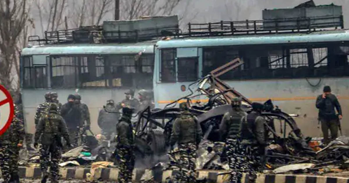 http://www.meranews.com/backend/main_imgs/pulwamaattack_people-shouting-for-war-they-have-no-relatives-who-will-die_0.jpg?34