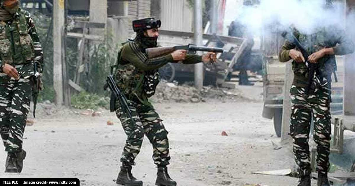 http://www.meranews.com/backend/main_imgs/pulwamaenc_encounter-in-pulwama-between-security-forces-and-terrorists_0.jpg?81