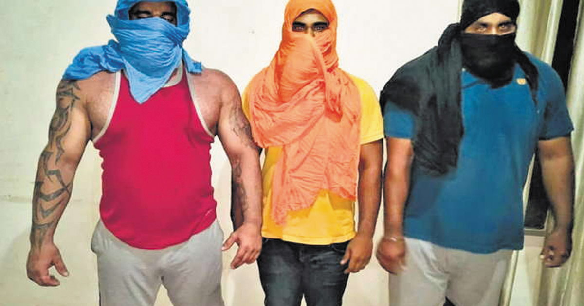 http://www.meranews.com/backend/main_imgs/punjab-kidnaper_morbi-coal-trader-kidnapped-at-gun-point-in-amritsar_0.jpg?90