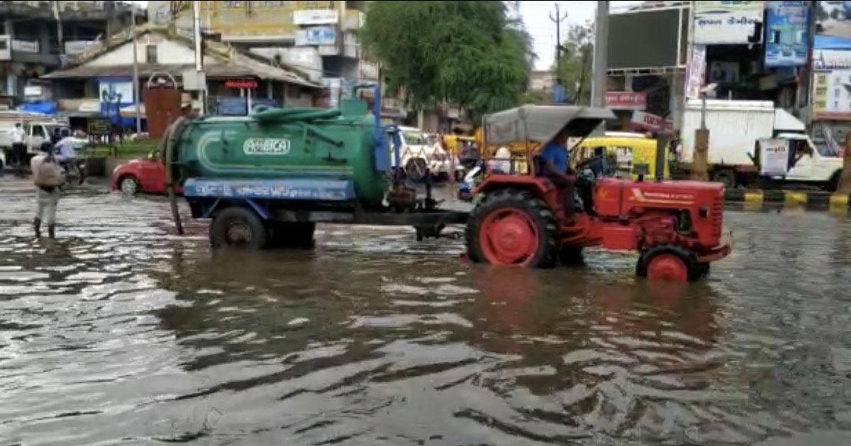 rains in Modasa