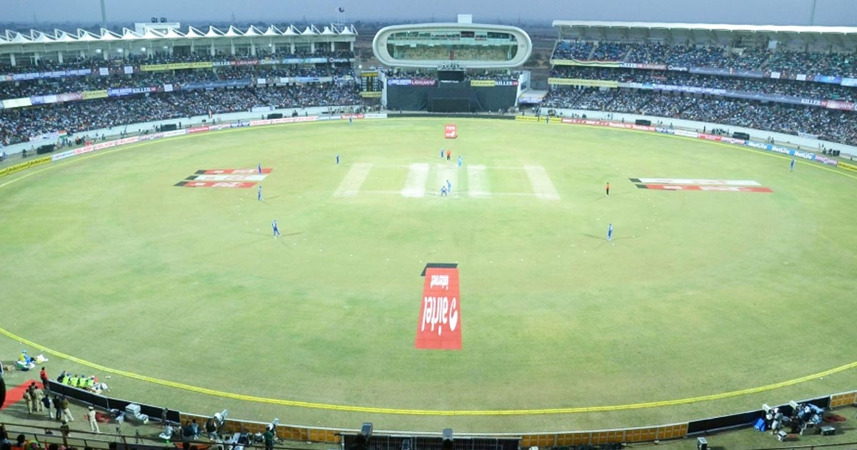 http://www.meranews.com/backend/main_imgs/rajkotstadium_ipl-matches-may-be-play-in-rajkot-cricket-stadium_0.jpg?79
