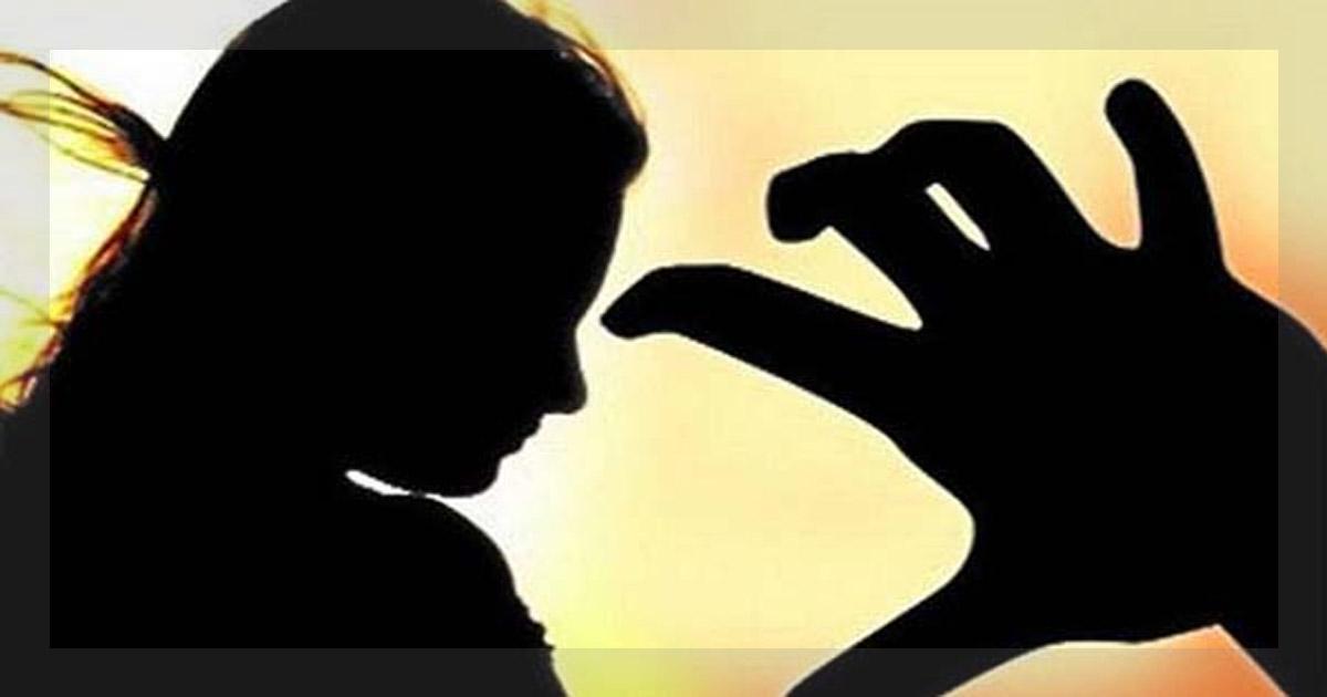http://www.meranews.com/backend/main_imgs/rapecase_veraval-5-man-raped-girl-fir-filed-in-police-station_0_surat-police-fir-canada-marriage-fraud-love_0.jpg?1