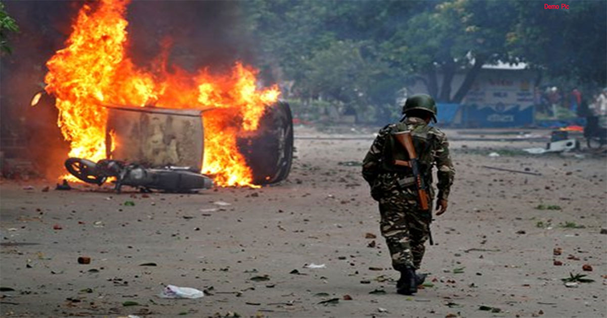 http://www.meranews.com/backend/main_imgs/riot_india-may-face-communal-tension-before-the-lok-sabha-electio_0.jpg?96